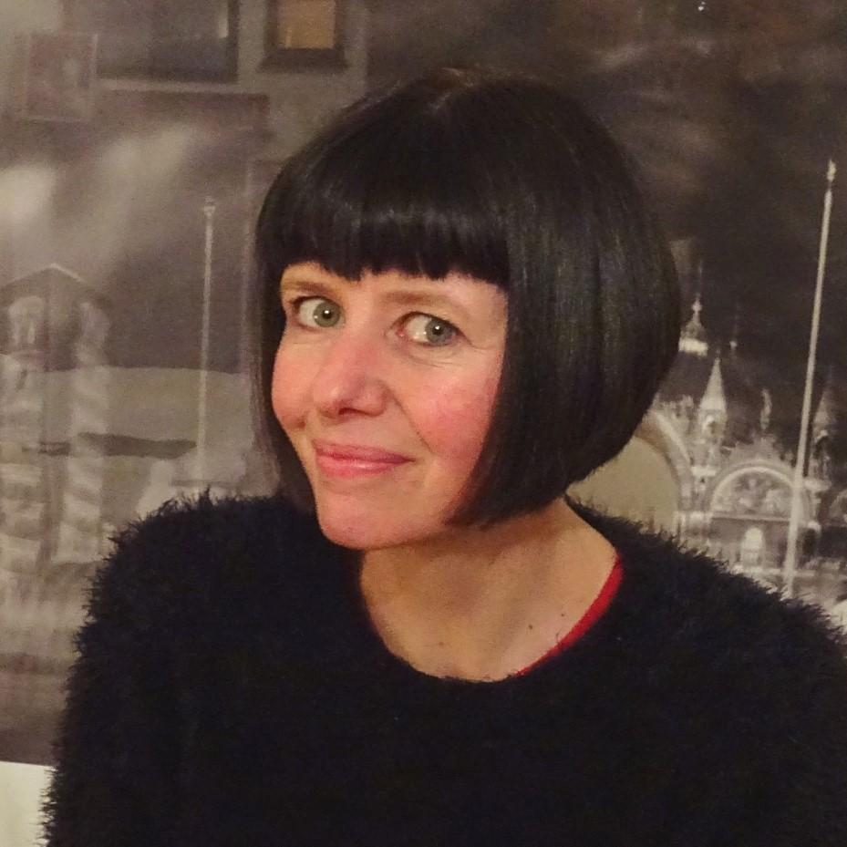 Photograph of Judy Thomas